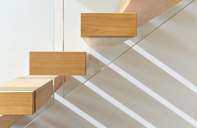 why you should use glass in yur staircase